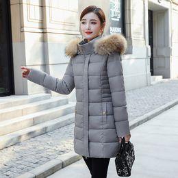 mittelalter frau kleider Rabatt 2019 neue Art-Winter-Frauen Baumwoll-gepolsterte Kleidung koreanischen Stil Mittellange Abnehmen Frauen mittleren Alters Kleid warme Mantel-Middle-ag