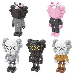 Kaws figura Grandes Blocos Pequenas Partículas Brinquedos de Construção Tijolos Figuras de Ação Blocos Falso Brinquedo para Crianças 5 cores brinquedos infantis de