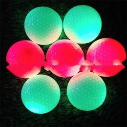 Вел упругий шарик онлайн-Светящиеся мячи для гольфа Эластичные мячи для гольфа Мигающие шарики Led Shine Multi Color Открытый Спорт Тренировочная практика 7zyf1