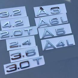 Emblema del cromo del tronco online-Chrome 1.8T 2.0T 2.4 3.0T 3.2 3.6 4.2 A3 A4 A5 A6L A7 A8L Lettera Numero Badge Emblem Car Trunk Capacità di scarico Badge Logo Sticker