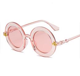 2019 occhiali da sole rotondi steampunk 7 colori Steampunk Retro Round Frame Occhiali da sole Sexy Ladies Vintage Api Occhiali da sole Donne Designer di marca Moda femminile AA1975 occhiali da sole rotondi steampunk economici