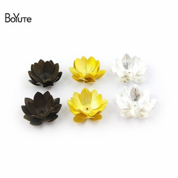 wholesale brass stamping Promo Codes - BoYuTe (20 Pieces Lot) Diy Hand Made Jewelry Accessories Stamping Metal Brass Flower 30MM Chrysanthemum 28MM Lotus