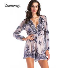 1282b30de9f7 Ziamonga Glitter sexy profondo scollo av paillettes pagliaccetto elegante  ricamo paillettes tuta corta tuta tuta femminile Clubwear