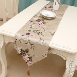 tovaglia del fiore del ricamo Sconti Nuova tovaglia decorativa europea del corridore del tavolo del ricamo di alta precisione del fiore