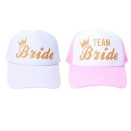 Cappello di cappello da sposa online-Donne Wedding Shower Cotton Mesh Berretto da baseball Team Sposa Gold Crown Bachelorette Party Snapback Bridal Trucker Hat Regolabile