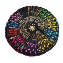 Abanicos plegables online-Lentejuelas Dancing Fan Creative Design Peacock Folding Hand Fans Mujeres Stage Performance Prop Multi Color