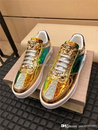 2020 hommes chaussures élégantes Versace Medusa Hot Sale New Noble Leather Tide Chaussures Hommes Color Matching Sports Fashion Sneakers Taille: 38-44 hommes chaussures élégantes pas cher
