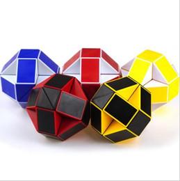 [a] 24 pieds Cube Magic Magic Ruler avec une section de tutoriel de serpent magique de printemps en gros ? partir de fabricateur