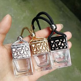 bottiglia di profumo Cube auto Hanging profumo ornamento Deodorante oli essenziali diffusore di profumo vuota bottiglia di vetro 8ml da bottiglie all'ingrosso del profumo della farfalla fornitori