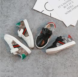 2019 otoño nuevos zapatos para niños, zapatos individuales para niñas, versión coreana de los zapatos deportivos antideslizantes transpirables para estudiantes, envío gratis desde fabricantes