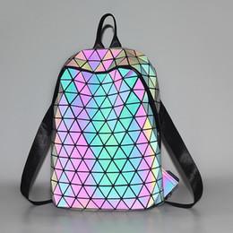 Wholesale Atacado BaoBao issey japão miyake mochila luminosa famosa geometria saco de lantejoulas dobrável saco estudante mochila de viagem mochila saco de esportes