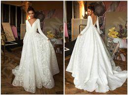 Кружева v шеи невесты платья онлайн-2020 V-образным вырезом в стиле кантри 3D Цветочные аппликациями линия Кружева Backless Свадебные платья богемское Свадебные платья для невесты халат де mariée