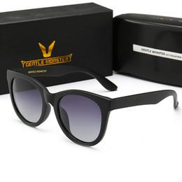 gafas mezcla de color Rebajas Hombres gafas de sol polarizadas gafas de sol populares mujeres marco completo de calidad superior protección UV400 color mezclado vienen con caja V1904
