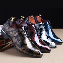 Plus la taille des hommes de la mode 38-48 en cuir bout pointu chaussures d'affaires en cuir chaussures de mariage brillant lacent des chaussures de sport ? partir de fabricateur