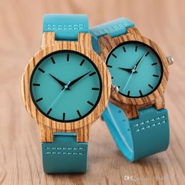 Reloj натуральная кожа онлайн-Роскошные Royal Blue Wood Watch Top Кварцевые Наручные Часы 100% Натуральный Бамбук Часы Натуральная Кожа Валентина Подарки для Мужчин Женщин Reloj de madera