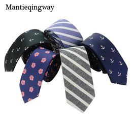 Военно-морской галстук в горошек онлайн-Mantieqingway Tie Men's Polyester Slim Necktie for Suits Plaid Polka Dots Ties for Men Suit Navy Blue Men Tie Narrow Neck