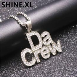 cadenas de latón para hombre Rebajas Hip Hop Iced Out DaCrew Letter Colgante Collar Latón Oro Plata Mens Charm Diamond Chain Necklace
