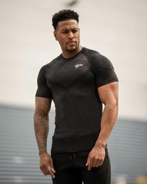 vêtements d'entraînement de musculation Promotion Nouveau Mode D'été ALPHALETE Hommes T-Shirts Manches Courtes Bodybuilding et Fitness Hommes Gymnases Vêtements Workout Coton T-Shirt Hommes Fitness Wear