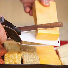 Corte de queijo on-line-Cozinha Inteligente Cortador Inteligente 2 em 1 Faca de Corte Placa de Tesoura Acessórios de Alimentos Queijo Carne Vegetal Cortador De Aço Inoxidável