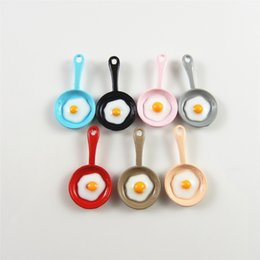 Canada 10pcs omelette soleil oeuf en mini forme de casserole colorée mignonne petit émail GraceAngie mélanger multicolore oeuf dans des casseroles bijoux créatifs pour bébé cheap egg shaped pan Offre