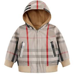 Kid Designer Jacken Luxus Britische Stile Jungen Dünner Mantel Klassisches Karomuster Mädchen Windjacke 2019 Hot Top Qualität Kinder Top Sweatshirts von Fabrikanten