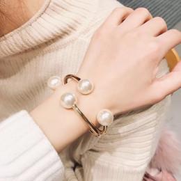 il braccialetto all'ingrosso tre colore Sconti Braccialetto di lusso di personalità di vendita calda del braccialetto del braccialetto classico della perla di modo 2019 delle donne