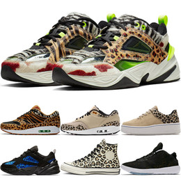 Homens sapatilhas leopardo on-line-New 1 Mens Low M2K Tekno Running Shoes Mulheres Leopard Sneakers Man Atmos animal Leopard X 1s Cheetah Zoom sábio instrutor CI9631-037