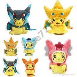Pokémon di caricamento farcito online-Cartoon Gyarados Pokemon Pikachu Cosplay Peluche Mega Charizard cotone Stuffed Animals Bambole per bambini peluche regali dei capretti di Natale