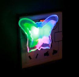 2019 farfalla ha portato la luce dei bambini Farfalla Luce Notturna Risparmio Energetico Bella Colore RGB Romantico Lampada da Parete Luce Notturna Lampadina Decorazione Per Camera Da Letto Spina DEGLI STATI UNITI farfalla ha portato la luce dei bambini economici