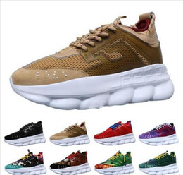 Wholesale Scarpe da corsa a reazione a catena per donna Sneakers da uomo design Sport Fashion Trainer leggera suola con logo a rilievo con sacchetto di polvere Taglia