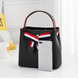 2020 borse hobo a buon mercato a buon mercato brand designer scintillio della borsa Hobos delle donne borsa jungui borse crossbody borse a tracolla totes sconti borse hobo a buon mercato