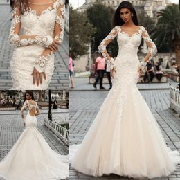 Canada Robes De Mariée Sirène 2019 Sheer Bateau Cou Dentelle Appliques Perlé Perlé Manches Longues Dos Nu Cour Train Cour arabe Plus La Taille Robes De Mariée cheap mermaid pearl beaded dress Offre
