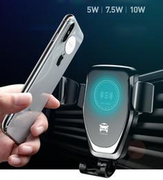 Note carregador de carro sem fio on-line-Car mount qi carregador sem fio para iphone xs xr max 8 carregamento rápido sem fio do telefone do carro titular para samsung note 9 s9 s8