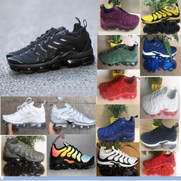 Vapor preto on-line-Novos Produtos Homens Vapormax TN Plus Tênis Em Execução Clássico Sapatos Ao Ar Livre Vapor tn Preto Branco Esporte Tênis de Choque 7-11 Nike Air Max AIRMAX