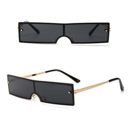 occhiali da sole piccoli uomini quadrati Sconti 2019 New Small Metal Frame Sunglasses Occhiali da sole con montatura quadrata di design unisex Moda Occhiali da sole per donna e uomo 8 colori all'ingrosso