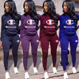 jersey di bambù Sconti Champions Donne Hoodies + delle ghette Outfits Designer 2 piece set strappato Shirts Sportswear Hole calzamaglia Tuta Inverno Autunno Suit Abbigliamento 980