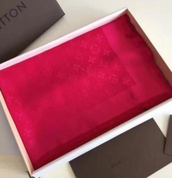 sciarpa lettera calda Sconti Sciarpa di lusso Sciarpa di seta lettera Designer Sciarpa di seta delle donne Sciarpe calde Dimensioni 140x140cm