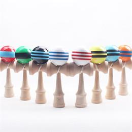 2019 japanische neuheit spielzeug Große Kendama Kugel-japanische traditionelle hölzerne Spielwaren viele Farben 18.5 * 6cm Ausbildungs-Geschenk-Neuheit spielt 180PCS DHL geben Verschiffen frei günstig japanische neuheit spielzeug