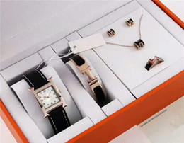 Correas de titanio online-Reloj de lujo para mujer conjunto de 5 piezas Pulsera de titanio Pendientes del collar Collar famoso diseñador de la marca para mujer reloj Correa de cuero reloj para mujer s