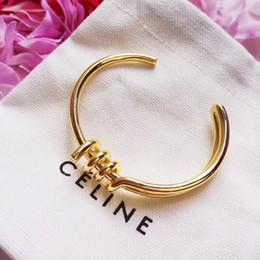 Wholesale Top qualité marque et matériel en laiton amour punk ouvert creux Bracelet avec diamant Conception Cuff Bracelet Bouton de manchette en cm Femmes et papillon