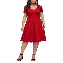 Vestido de renda vermelha para mulher gorda on-line-2019 verão nova moda personalidade Europa e América sexy com decote em V de renda de manga curta magro magro menina tamanho grande das mulheres vestido vermelho # 3300