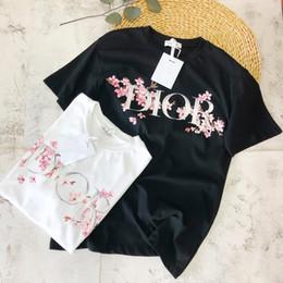 2019 camisas de cor t atacado 2019 T-shirt Nova Chegada das Mulheres Designer de Luxo para a Moda de Verão Impressão de Padrão Da Flor de Cerejeira com Duas Cores S-L Atacado camisas de cor t atacado barato