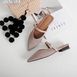 Femme Chaussons Boucle Chaussures Plates Talons Automne Mules Pour Femmes Diapositives Femelle Bout Pointu Doux Filles ? partir de fabricateur