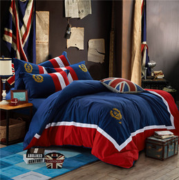 2019 diseño conjunto de oro europeo 4 piezas de abeja ropa de cama de la insignia bordada Inglaterra estilo hojas traje azul marino contratado tipo de cama de Europa