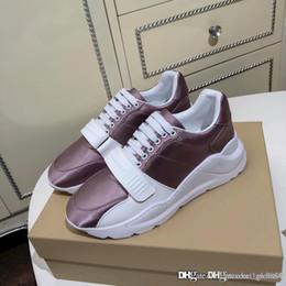 Novas Moda Feminina Tênis de Camurça, Neoprene e Couro Sneakers Sapatilhas de Luxo Designer de Sapatos Casuais Moda Tamanho 35-40 de Fornecedores de remendos bordados de qualidade