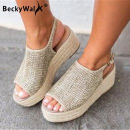 chaussures à talons Promotion Grande Taille Femmes Sandales Compensées Tissage Talons Hauts Sandales Femmes Chaussures Bout Ouvert Bohême Plage Plate-Forme Dames Chaussures 43 WSH3335