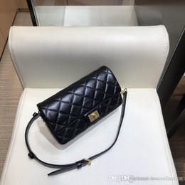 Bolso cuadrado pequeño de moda clásica, bolso de hombro de grano de elefante de zurriago, bolso de cuero genuino para mujer desde fabricantes