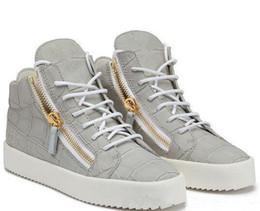 Donne con le scarpe da ginnastica online-NOVITÀ zip Scarpe firmate Italia Scarpe casual in vera pelle Cerniera dorata Sneakers alte per uomo e donna
