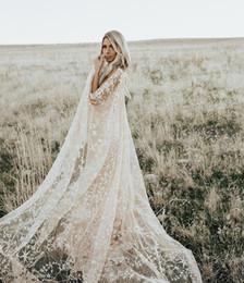 Swooning abbaglianti abiti da sposa abiti da sposa con stelle floreali con stampa floreale impressionante con vestido de Noiva di Cape Bohemian Country cheap floral cape gown da cappotto floreale fornitori