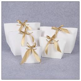 Kundenspezifische papiertüten hochzeit online-2018 neue Ankunfts-Hochzeits-Geschenk-Beutel-große Größen-Kasten-Satz-Beutel- / Pyjama-Kleidung, die Goldgriff-Papierkasten-Beutel-kundenspezifisches Logo T190711 verpackt